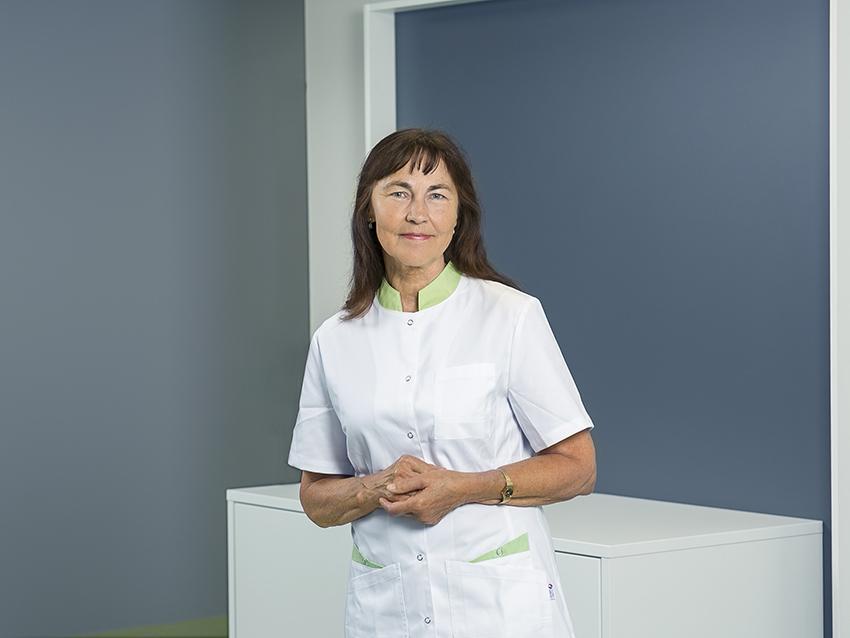 8070793626f Dr Ene Malva on töötanud 36 aastat Põltsamaal silmaarstina ning pikaajaline  töö armastatud erialal on andnud väga palju praktilise töö kogemusi silma  ...